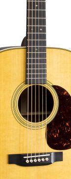 Martin HD-28L Guitar Vasenkätinen