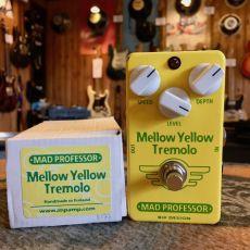 MAD PROFESSOR MELLOW YELLOW TREMOLO, HANDWIRED