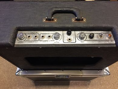 GRETSCH 6161 DUAL TWIN TREMOLO AMP 1962 W/ CASE