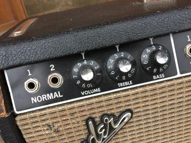 FENDER DELUXE REVERB-AMP 1965