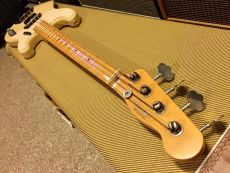 FENDER 1955 PRECISION BASS CLOSET CLASSIC 2004FENDER ´57 PRECISION BASS 2005 kopio 108894