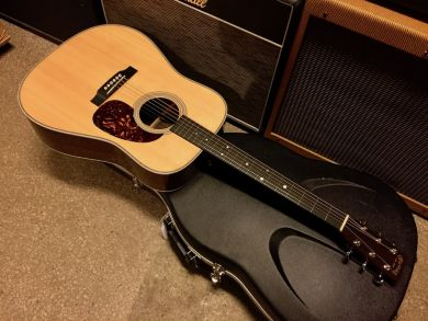 MARTIN HD-28 2012