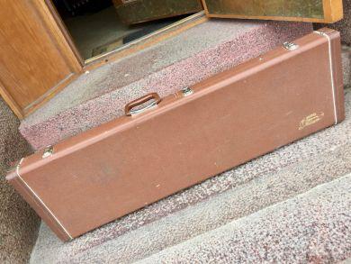 WASHBURN BASS CASE (PBASS OR SIMILAR)