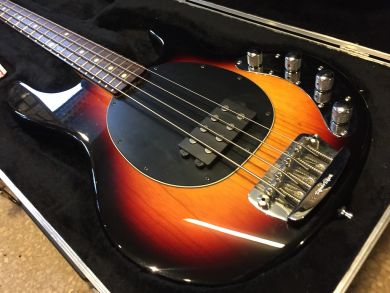 MUSIC MAN STINGRAY 2002