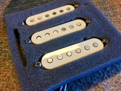 BARE KNUCKLE IRISH TOUR STRAT SET