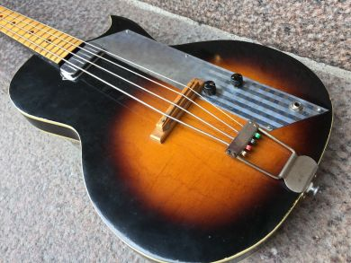 KAY K5961 VALUE LEADER BASS, early 60´S