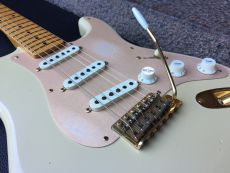 FENDER LIMITED EDITION 1956 STRATOCASTER RELIC 2005
