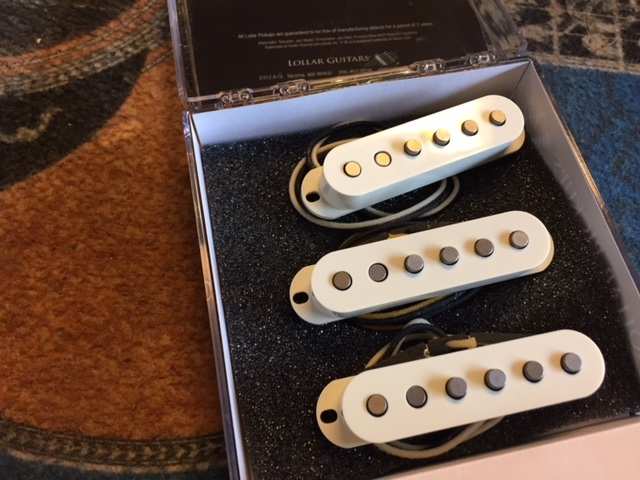 LOLLAR BLONDE STRAT SET, STAGGERED, PARCHMENT - Kitarapaja