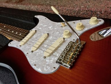 FENDER AMERICAN SPECIAL STRATOCASTER 2010