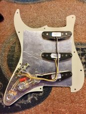 FENDER CS FAT 50´S PREWIRED STRAT PICKGUARD W/BLENDER