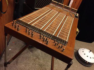 MARTIN ROYAL 4-NECK STEEL GUITAR